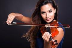 Atrakcyjny kobieta skrzypce Zdjęcia Royalty Free