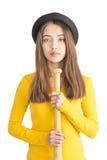 Atrakcyjny młodej kobiety mienia kij bejsbolowy Obraz Royalty Free