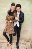 Atrakcyjny moda mężczyzna trzyma jego kochanek rękę Obraz Royalty Free