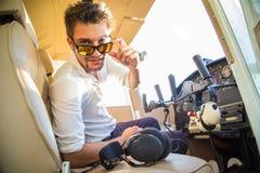 Atrakcyjny pilot zdjęcie stock