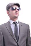 Atrakcyjny samiec model z okularami przeciwsłonecznymi Obrazy Royalty Free