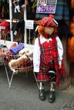 Atrapa dziewczyna w Szkocja tradycyjnym kostiumu Obrazy Royalty Free