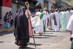 Através da celebração de Crucis Fotos de Stock Royalty Free