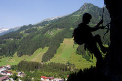 Através da escalada de ferrata/Klettersteig Fotografia de Stock Royalty Free