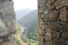 Através da fortaleza mura Maglic imagens de stock royalty free