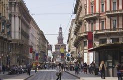 Através de Dante em Milão foto de stock
