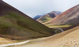 Através dos vales bonitos fotografia de stock