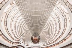 Atrio del grattacielo immagini stock libere da diritti