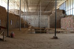 Atrio interno nel sito archaeological di Luna della La di Huaca de Fotografie Stock Libere da Diritti