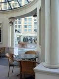 Atriumansicht des Luxushotels Stockbilder