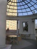 Atriumansicht von Luxushotel 2 Stockbild