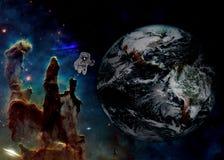 Atronauta nello spazio cosmico royalty illustrazione gratis