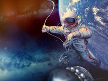 Atronauta nello spazio cosmico Fotografie Stock Libere da Diritti