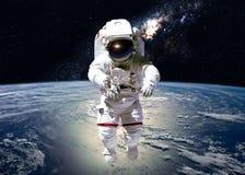 Atronauta nello spazio cosmico Immagini Stock Libere da Diritti