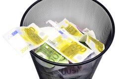 Att att kasta dess pengar Fotografering för Bildbyråer