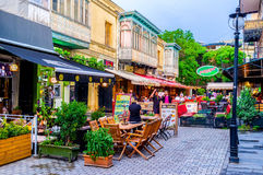 Att att välja kafét i Tbilisi Arkivbild