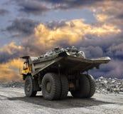 Att bryta åker lastbil Fotografering för Bildbyråer