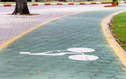 Att cykla kräver den bra gränden för cyklister Arkivbild