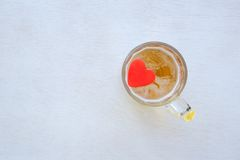 Att dricka fördärvar förälskelsen royaltyfria foton