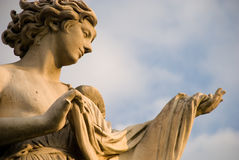 att erbjuda för ängel skyler Arkivbild