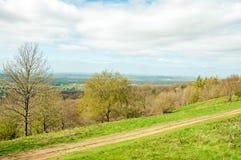 Att fotvandra skuggar på de Malvern kullarna i den engelska bygden Fotografering för Bildbyråer