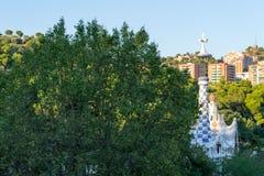 Att gå omkring parkerar Guell i Barcelona Royaltyfri Foto