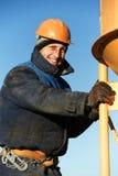Att hälla för byggnadsarbetare hårdnar med trumman Arkivbilder