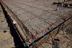 Att inrama för ett fundament häller av betong Royaltyfri Foto