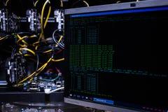Att investera och materielet som bryter bitcoinmarknadsbegrepp, vinner och gagnar Arkivbild