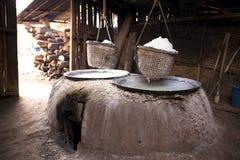 Att koka vaggar salt i Thailand Royaltyfri Foto