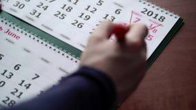 Att korsa daterar i kalender arkivfilmer