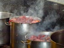 att laga mat den galician bläckfisken för vallfärdar arkivfoton