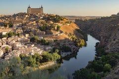Att närma sig Toledo i morgonen arkivbild