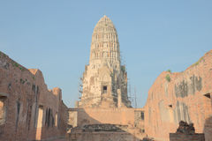 Att renovera som är forntida, fördärvar pagoden Arkivbilder