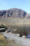 Stickle Tarn och den Pavey arken, engelskt Lakeområde Royaltyfri Foto