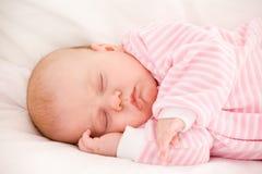 Att sova behandla som ett barn Royaltyfri Foto