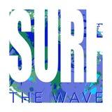 Att surfa logo med tecknet och texturerad bakgrund med vattenfärgen spots och plaskar Arkivfoton