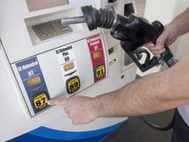 Gas pumpar valde arkivbild