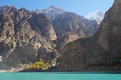 Attabad sjö i höst, Pakistan Fotografering för Bildbyråer