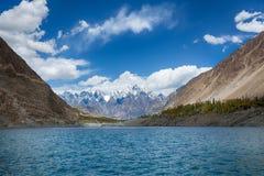 Attabad sjö Pakistan Arkivbild