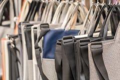 Attaccatura delle borse Fotografie Stock Libere da Diritti