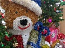 Attaccatura delle decorazioni di Natale Immagini Stock Libere da Diritti