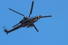 Attacco con elicottero in volo Fotografia Stock