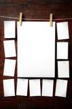 attach ubrań papierowa fotografii szpilek arkana zdjęcia stock