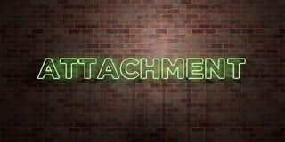 ATTACHEMENT - tube au néon fluorescent connectez-vous la brique - vue de face - photo courante gratuite de redevance rendue par 3 illustration stock
