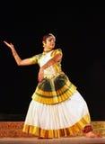 attam όμορφος ναός mohini της Ινδίας χορευτών Στοκ Φωτογραφίες
