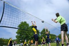 Attaque élevée de volleyball Photo stock