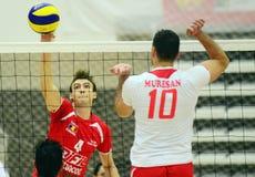 Attaque de volleyball d'hommes Images libres de droits