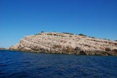 Atteignant le ‡ AIC du ¡ Ä de TelaÅ de parc naturel - falaises raides sauvages et paysage de Karst images libres de droits