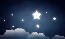 Atteignez et touchez l'étoile photo libre de droits